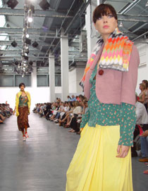 Photo from the 2004 Kingston University Fashion Show.