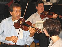 Levon Chilingirian and his colleagues demonstrate performance preparation techniques to Kingston's music students