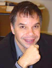 Photo of Dr Vassilis Fouskas.